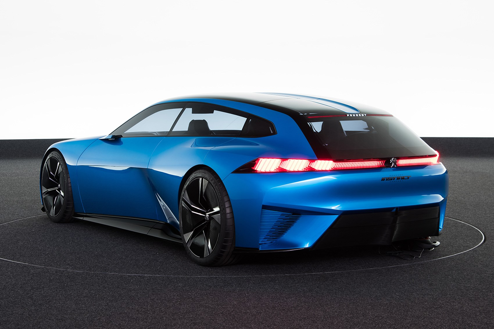 8 Show Stopping Details On The Peugeot Instinct Concept By