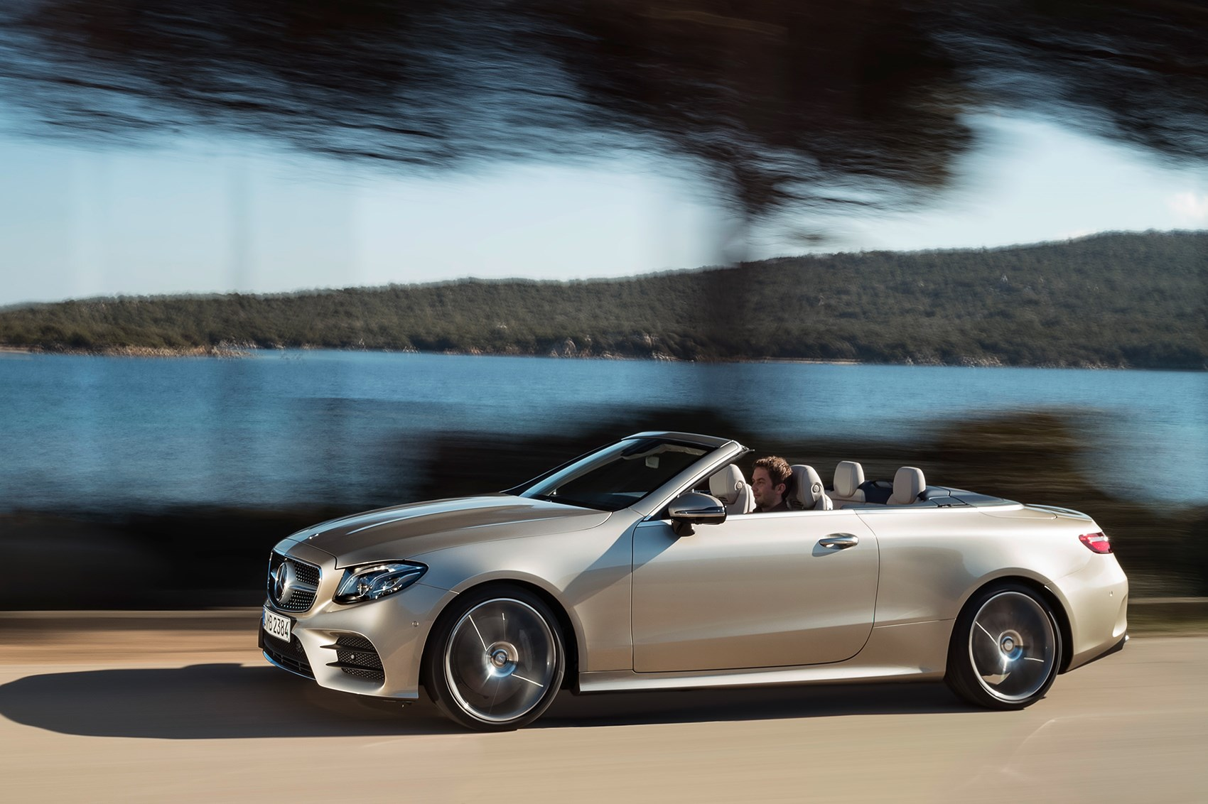 Merc blows the roof off the mercedes e class cabriolet at for Mercedes benz e350 cabriolet