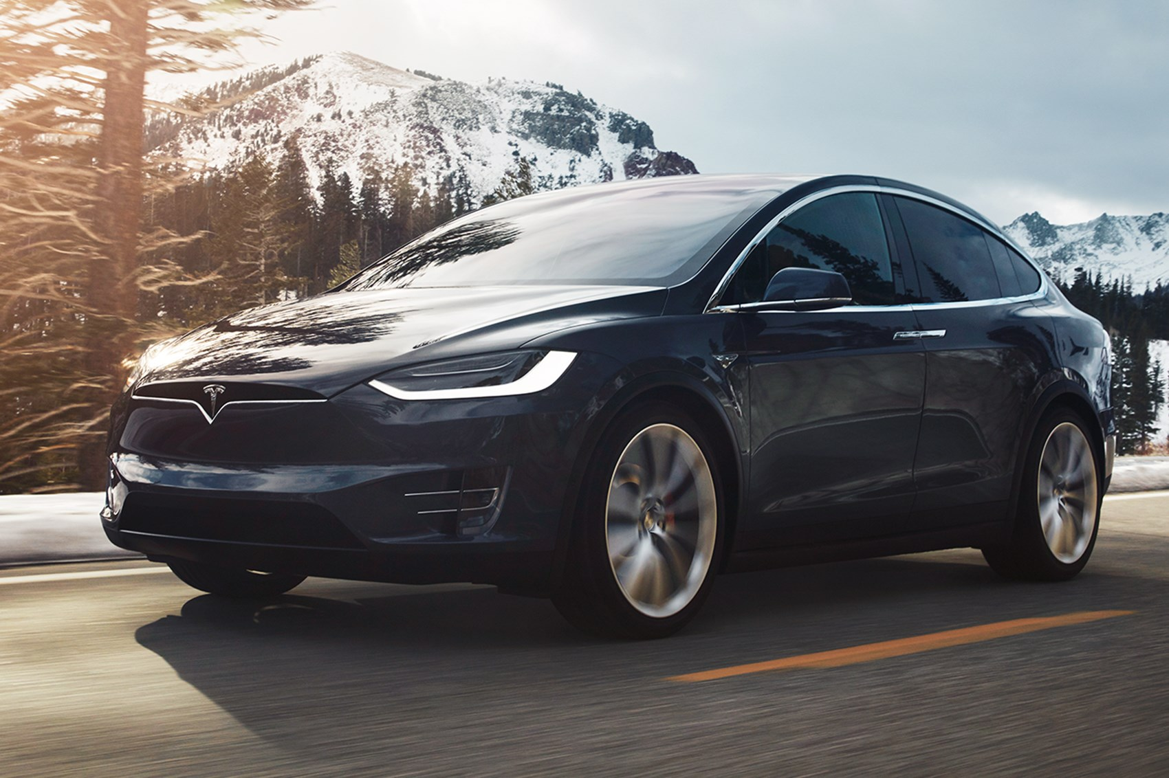 Tesla Model X (2017) review by CAR Magazine