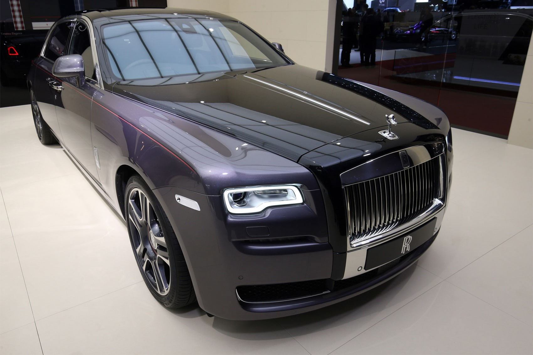 Rolls Royce Ghost Elegance With Diamond Stardust Paint At Geneva 2017