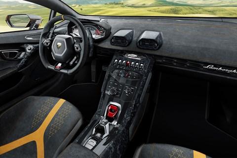 Lamborghini Huracan Performante at Geneva 2017 - interior