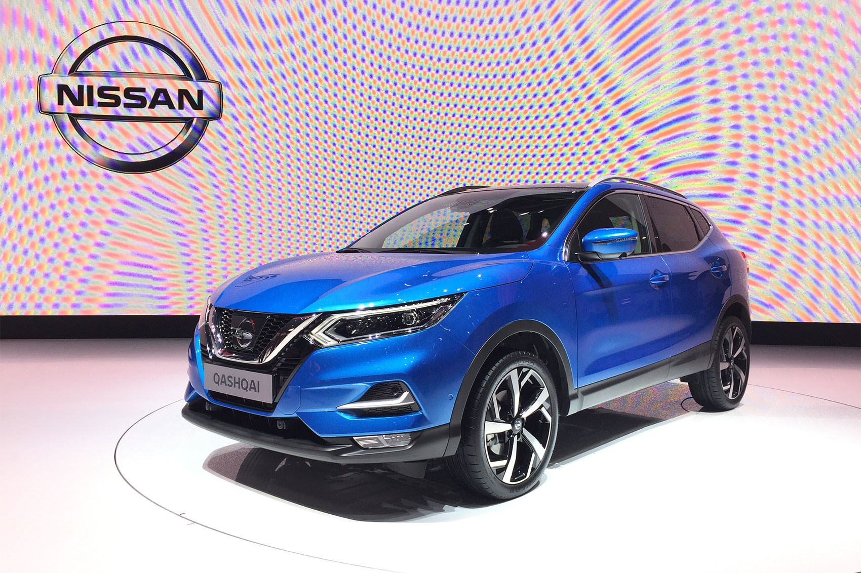 nissan qashqai goes premium at geneva 2017 car magazine. Black Bedroom Furniture Sets. Home Design Ideas
