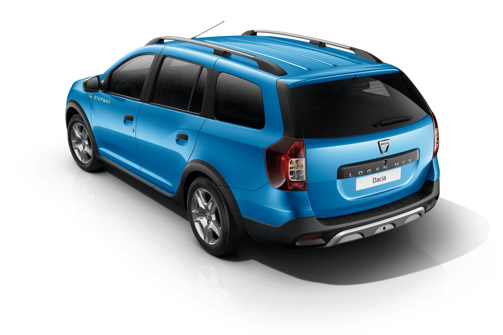 now with added chunk dacia lifts lid on logan mcv stepway by car magazine. Black Bedroom Furniture Sets. Home Design Ideas