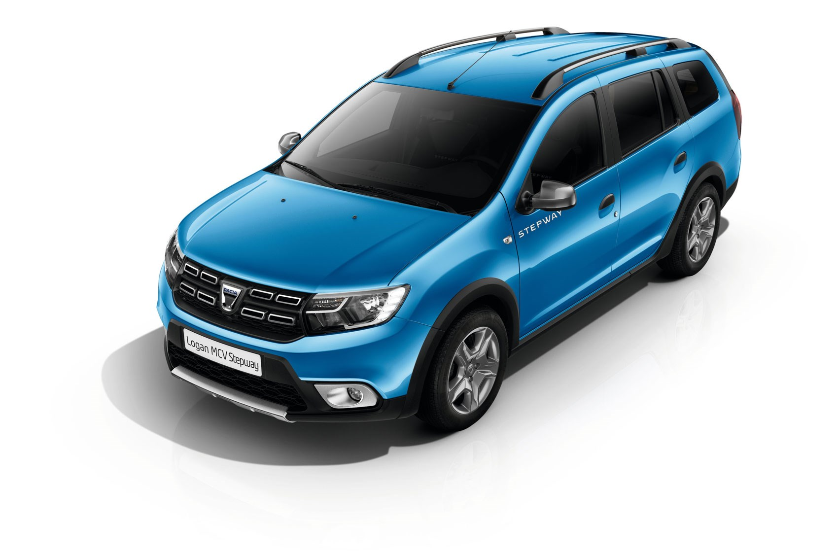 now with added chunk dacia lifts lid on logan mcv stepway. Black Bedroom Furniture Sets. Home Design Ideas