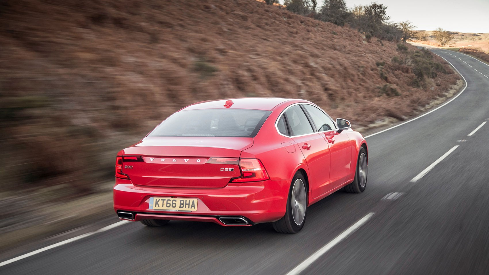 Volvo S90 R-Design: a great alternative to the Germans