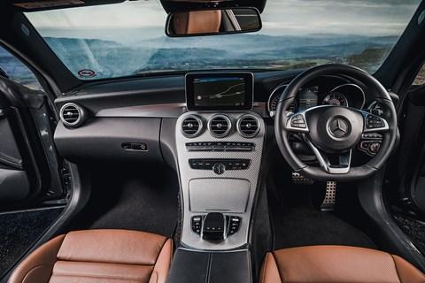 Mercedes-AMG C43 cabin