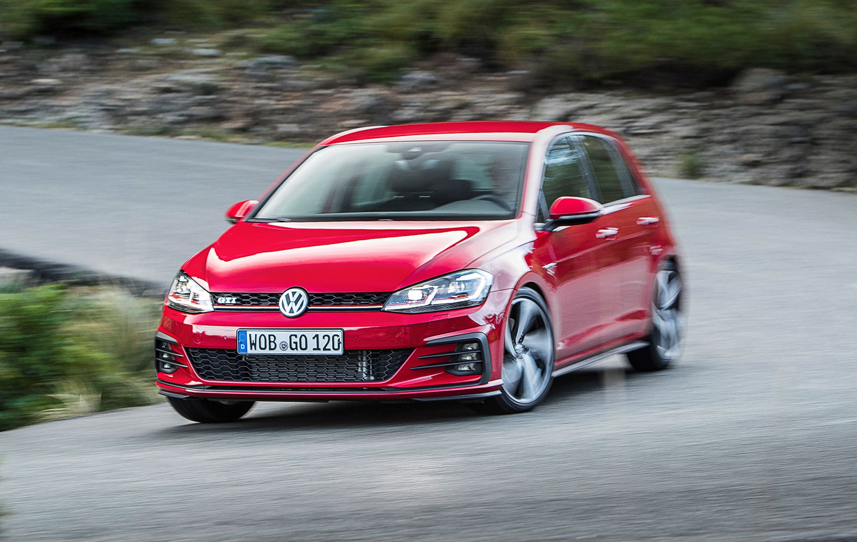 Vw Golf Gti 2017 Mk7 Facelift Review By Car Magazine