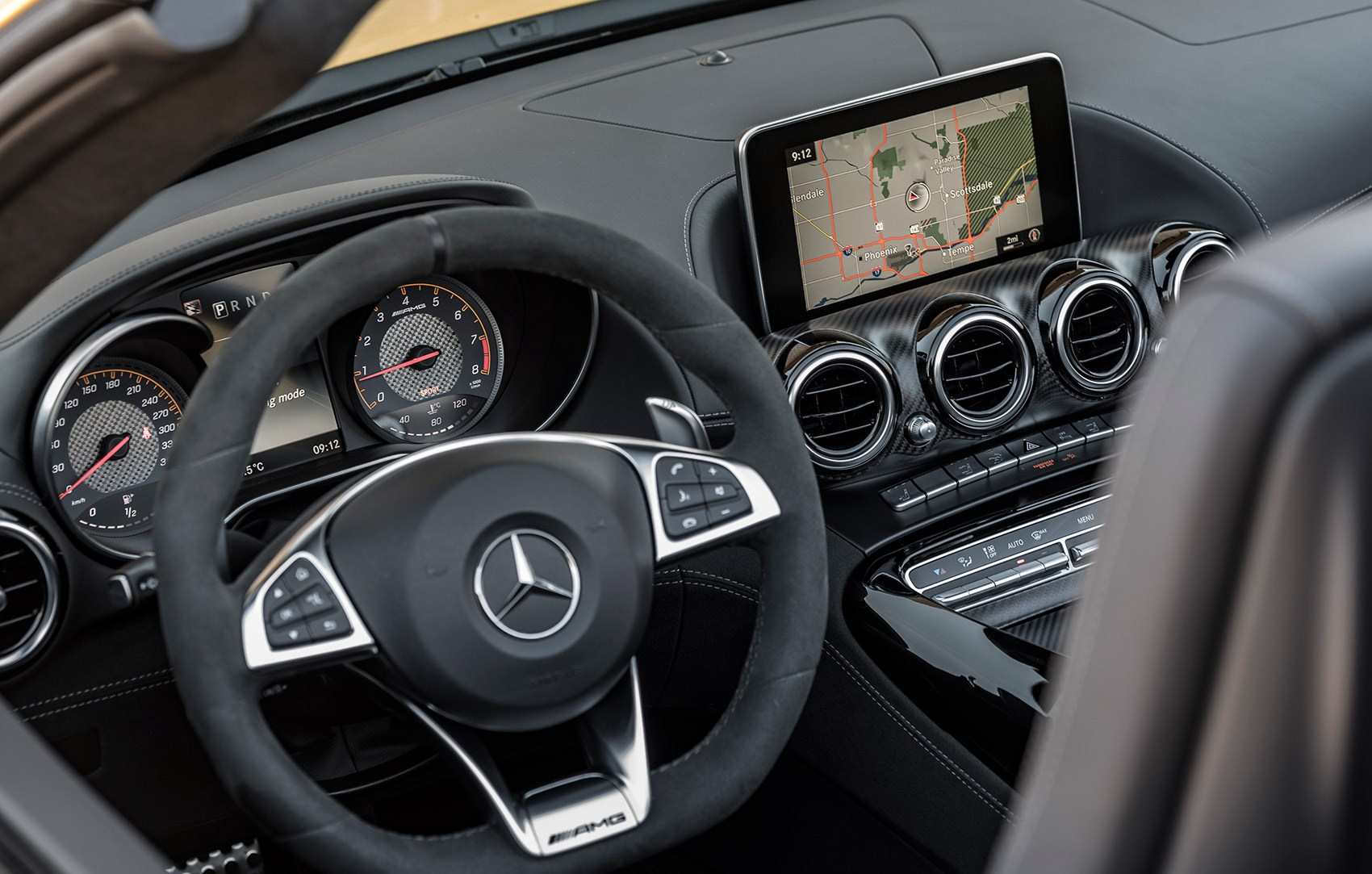 Mercedes-AMG GT C: interior and cabin