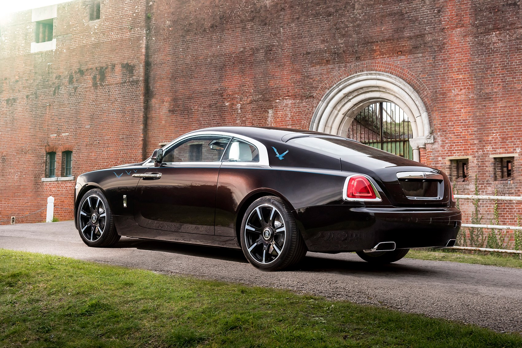 rock n roller rolls royce wraith inspired by british music specials revealed car magazine. Black Bedroom Furniture Sets. Home Design Ideas