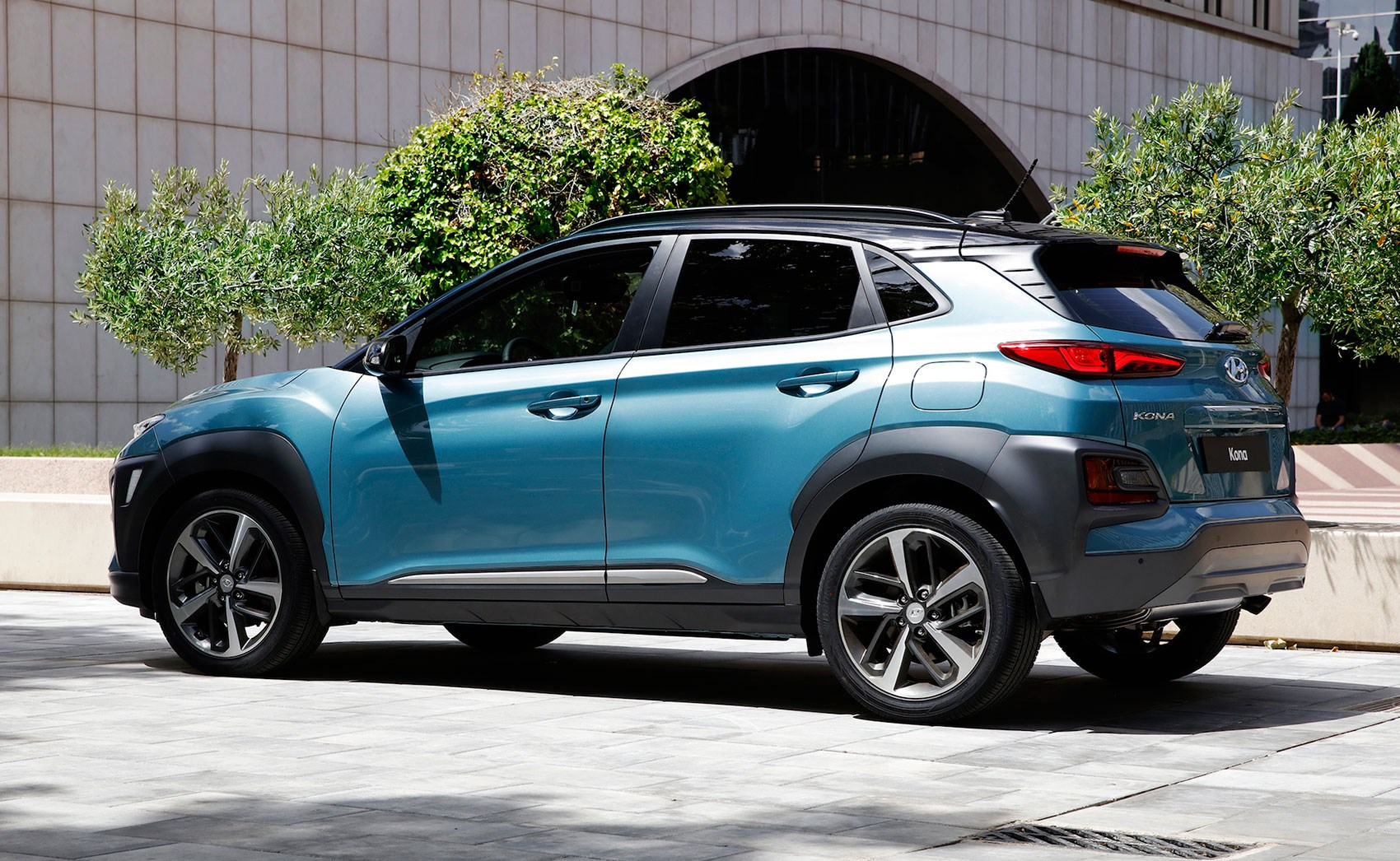 new hyundai kona suv specs pics and details on electric model car magazine. Black Bedroom Furniture Sets. Home Design Ideas