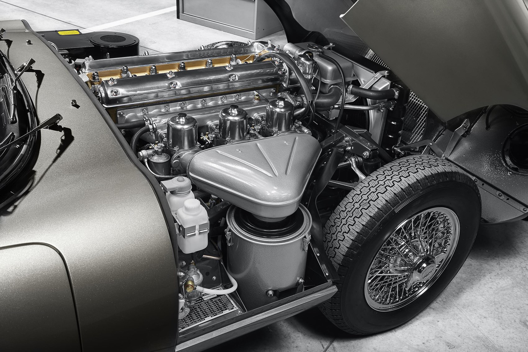 Time-travelling in style: Jaguar launches \'E-type Reborn\' service ...