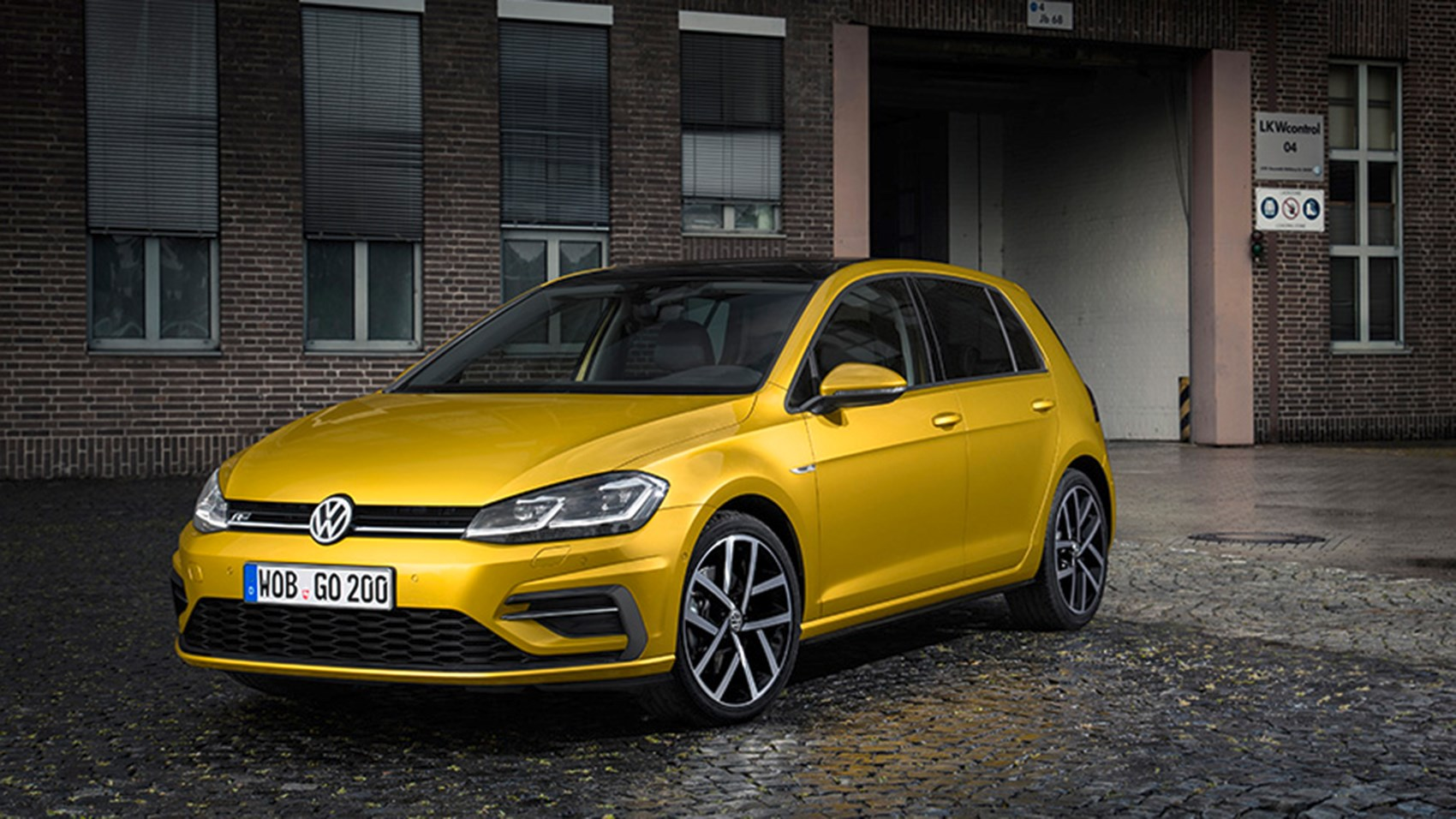 Volkswagen Golf 2 0 TDI 150 R Line 5dr 2017 review