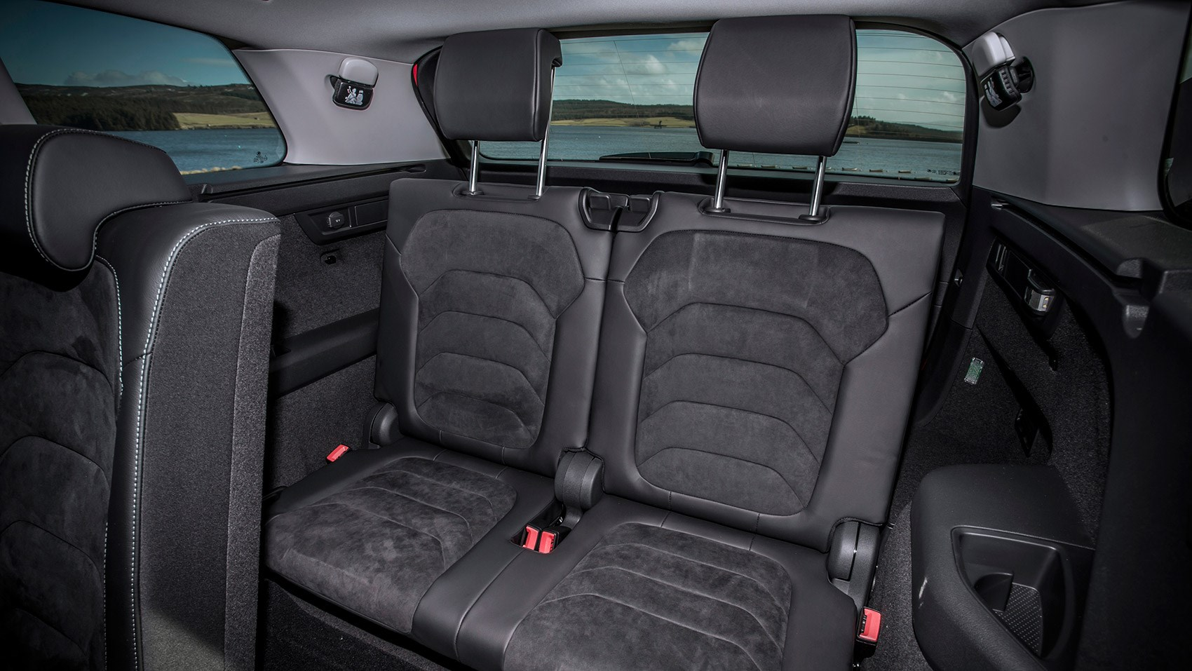 b1939acf60aac1 Two rear seats - best left for kids only The Skoda Kodiaq ...