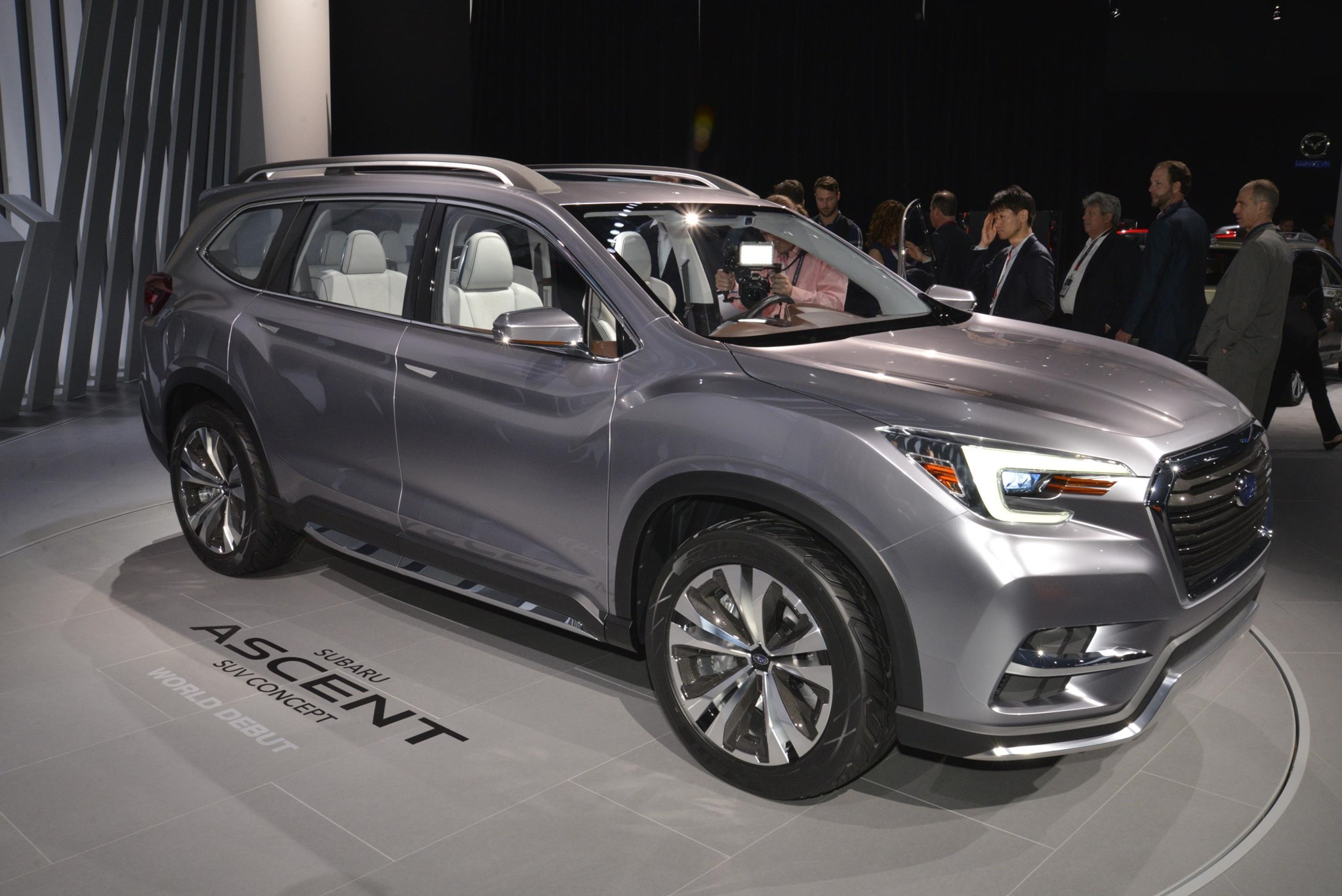 subaru goes big in america with new ascent suv concept car magazine. Black Bedroom Furniture Sets. Home Design Ideas