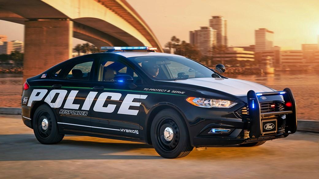 République Légionnaire de Zéphyros Ford_police-hybrid_4