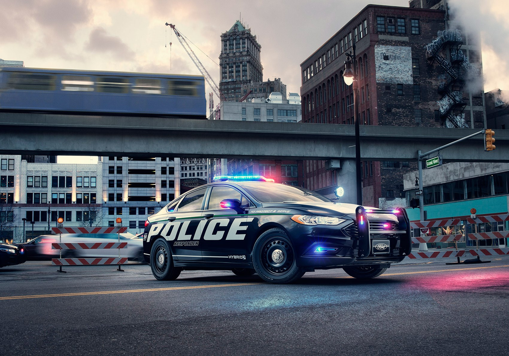 Ford Police Responder Hybrid Sedan Unveiled At New York
