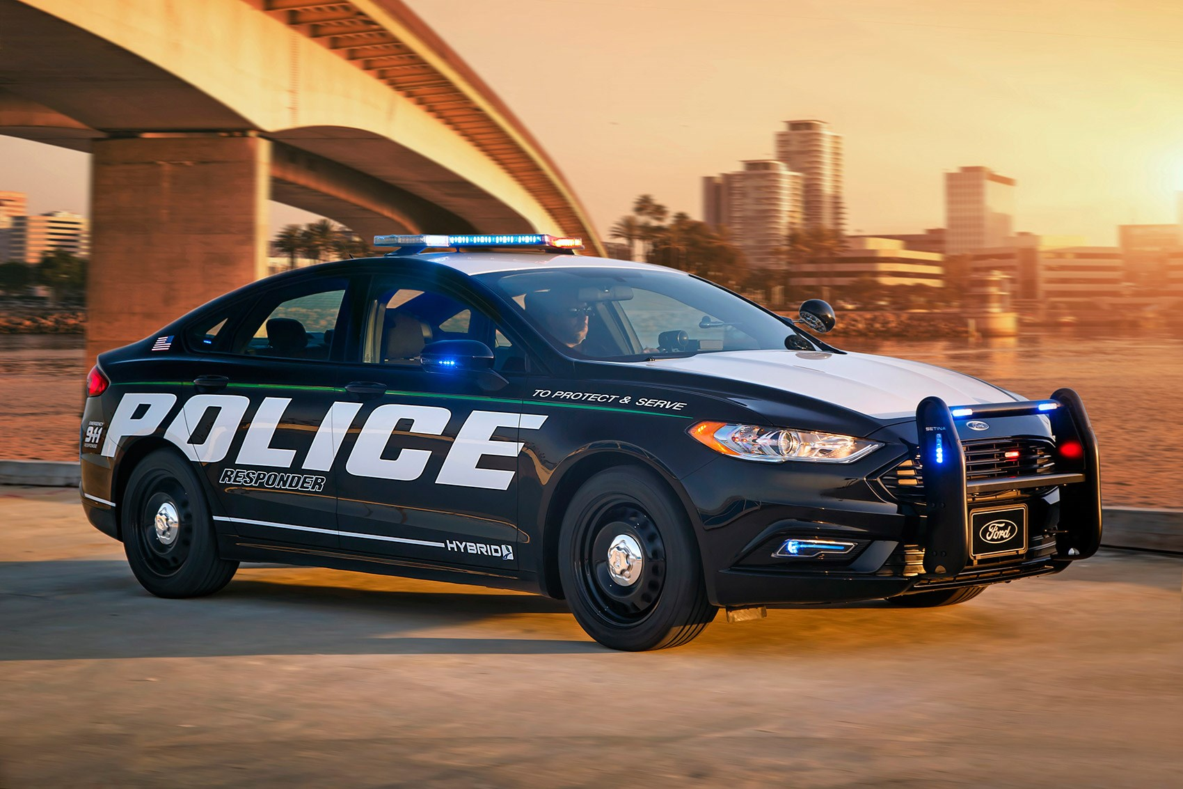 ford police responder hybrid sedan unveiled at new york auto show by car magazine. Black Bedroom Furniture Sets. Home Design Ideas