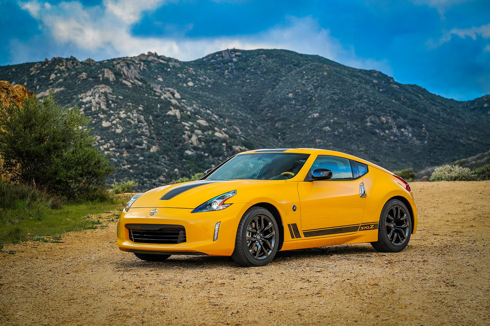 The New Nissan 370Z Heritage Edition ...