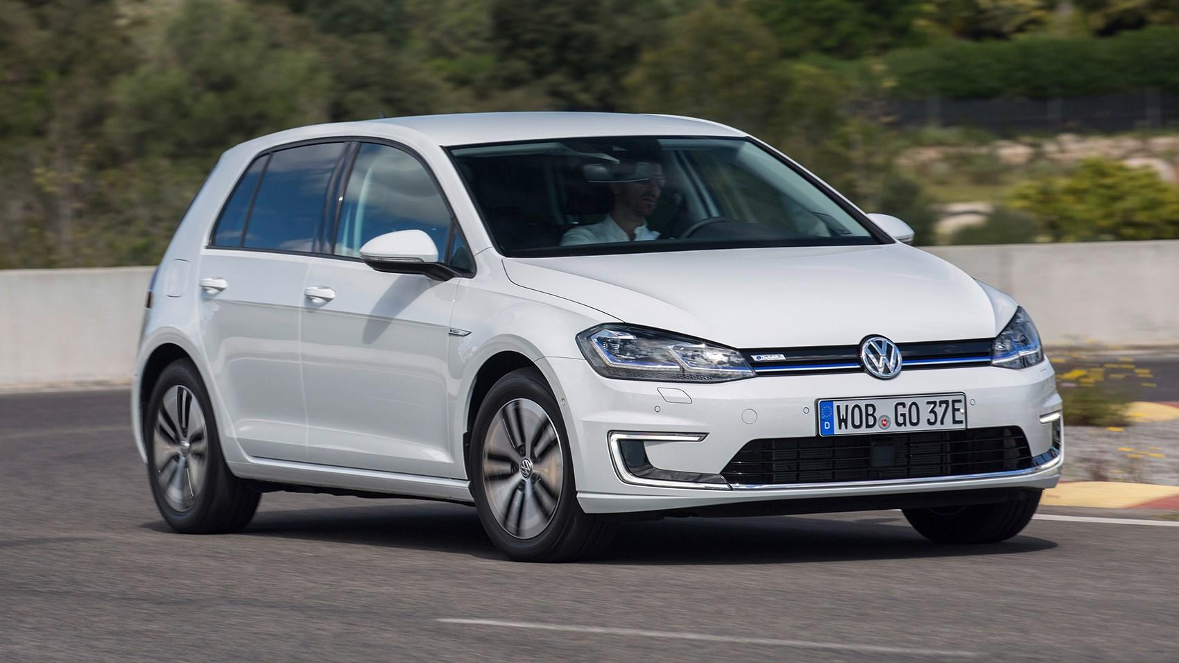 VW vw e golf specs : 2017 VW e-Golf review by CAR Magazine