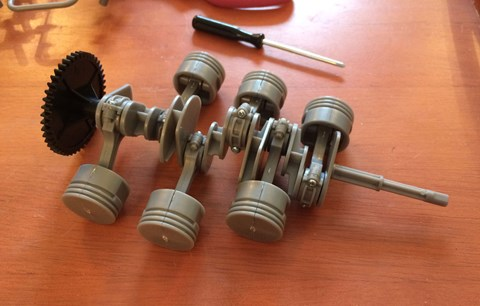 Assembling the Porsche flat-six pistons and crankshaft