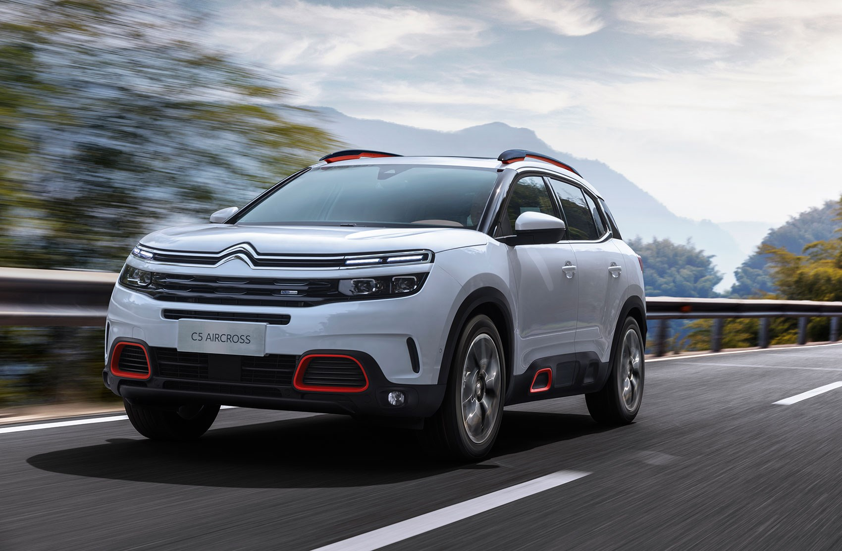 citroen c5 aircross 2018 revealed in shanghai news and pictures by car magazine. Black Bedroom Furniture Sets. Home Design Ideas