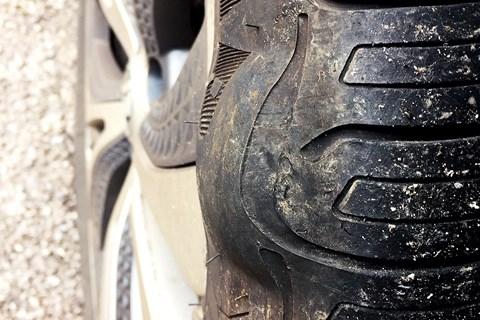 Renault Grand Scenic 2017 long-term tyre bulge