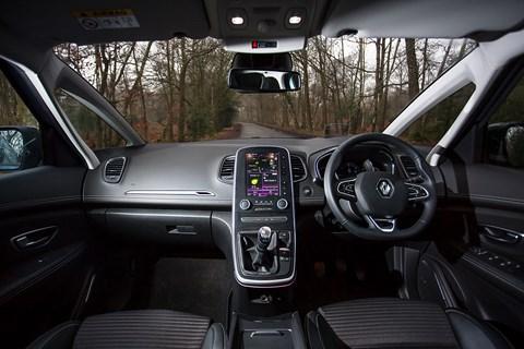 Renault Grand Scenic cabin