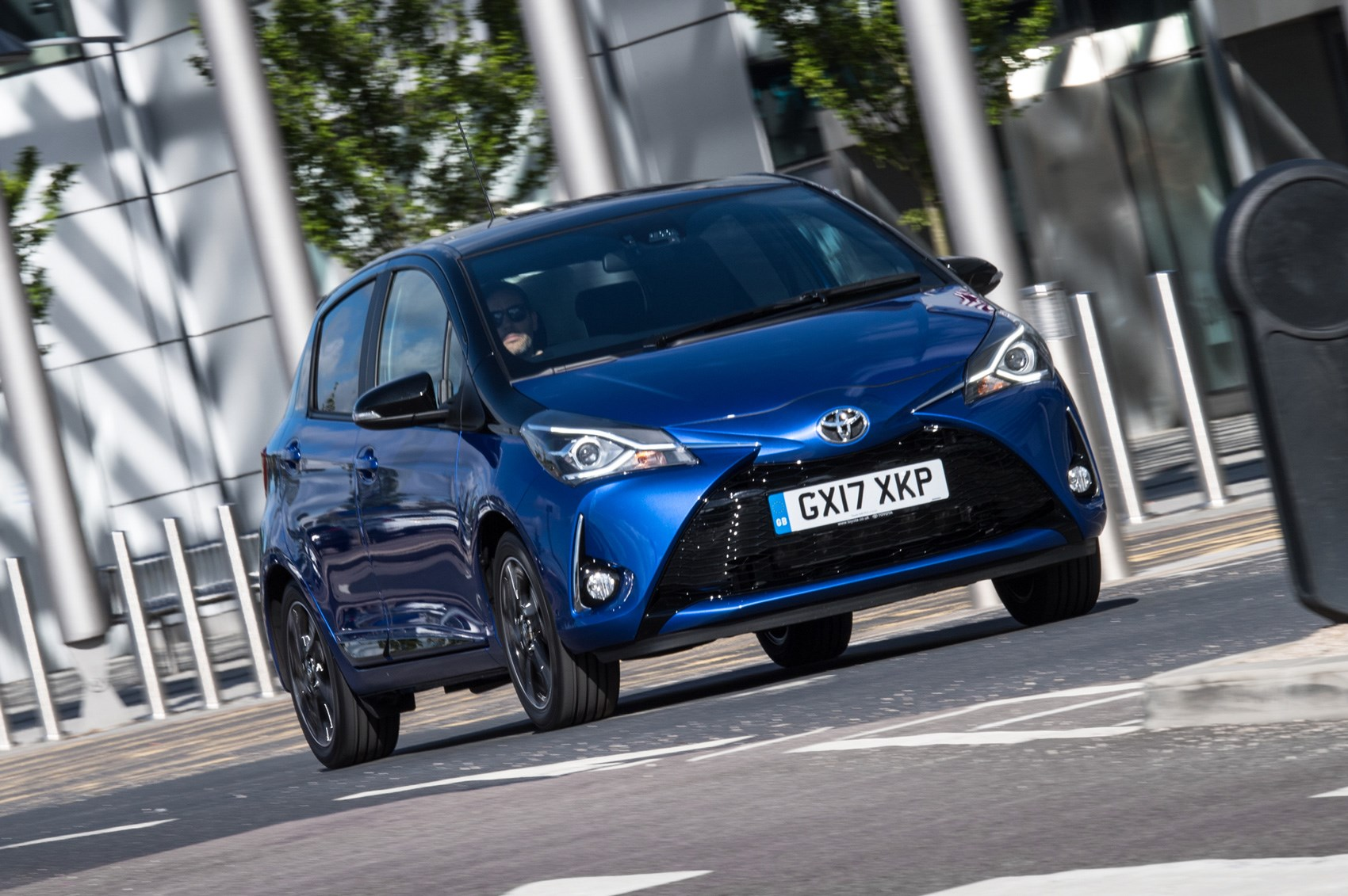 Toyota Yaris Facelift 2017 Review