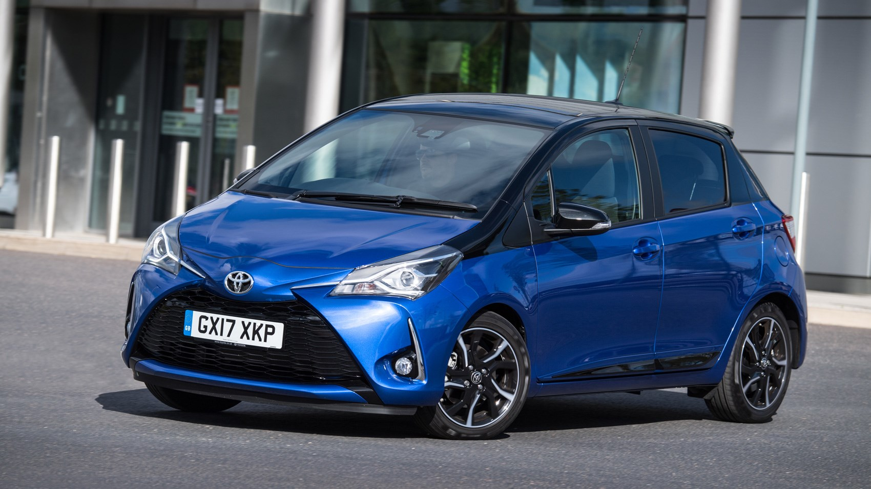 toyota yaris facelift 2017 review by car magazine. Black Bedroom Furniture Sets. Home Design Ideas