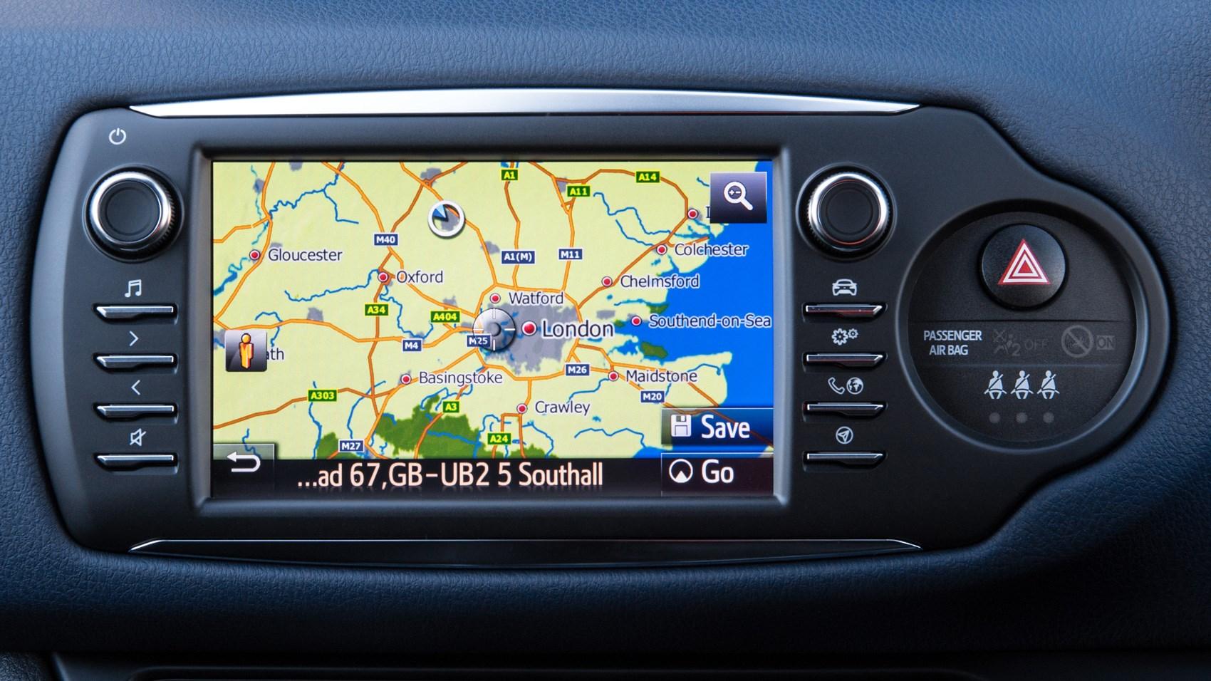 Toyota Yaris UK infotainment