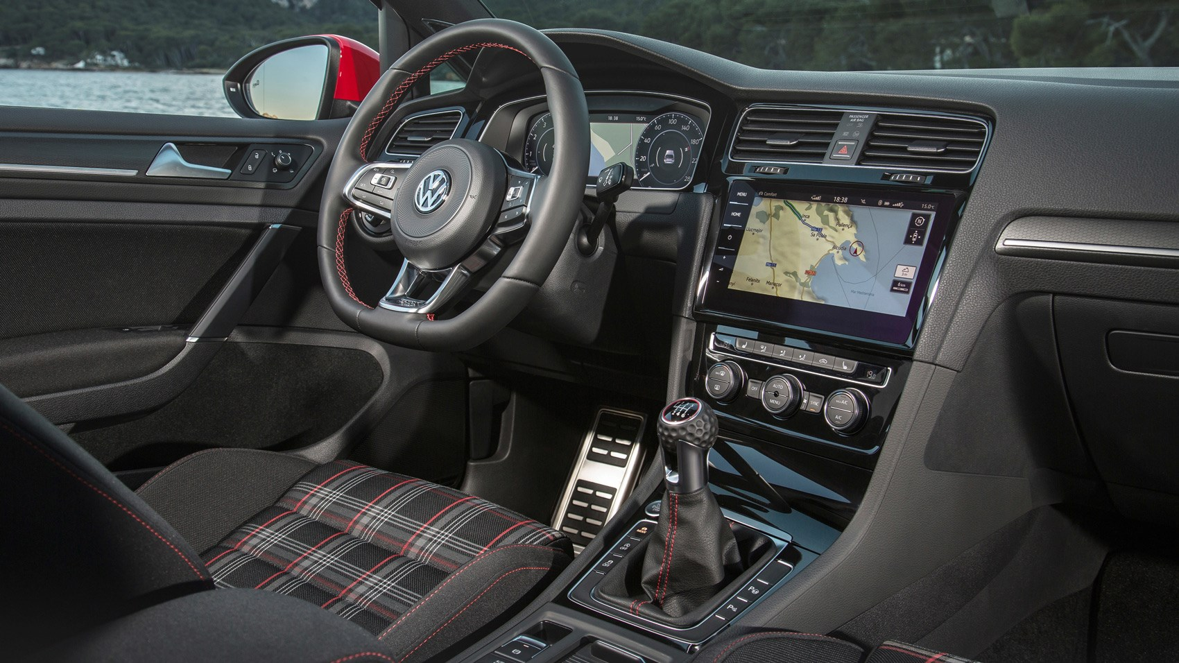 VW Golf GTI Performance 2017 interior