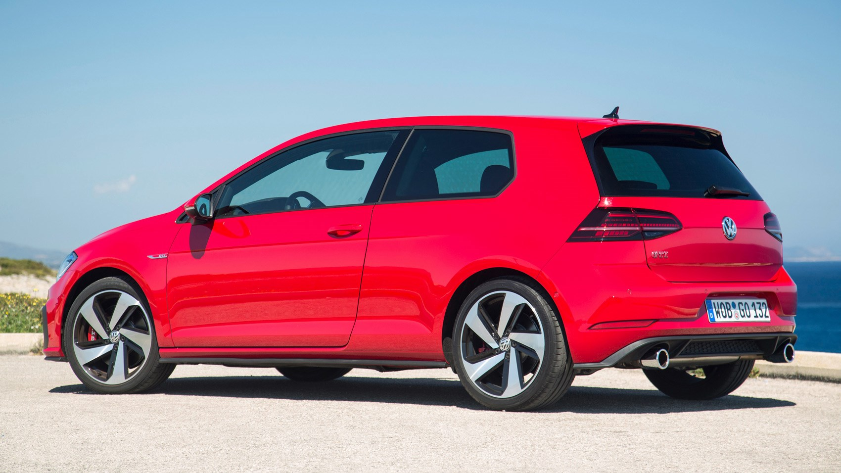 Brilliant VW Golf GTI Performance Pack Mk7 Facelift 2017 Review By