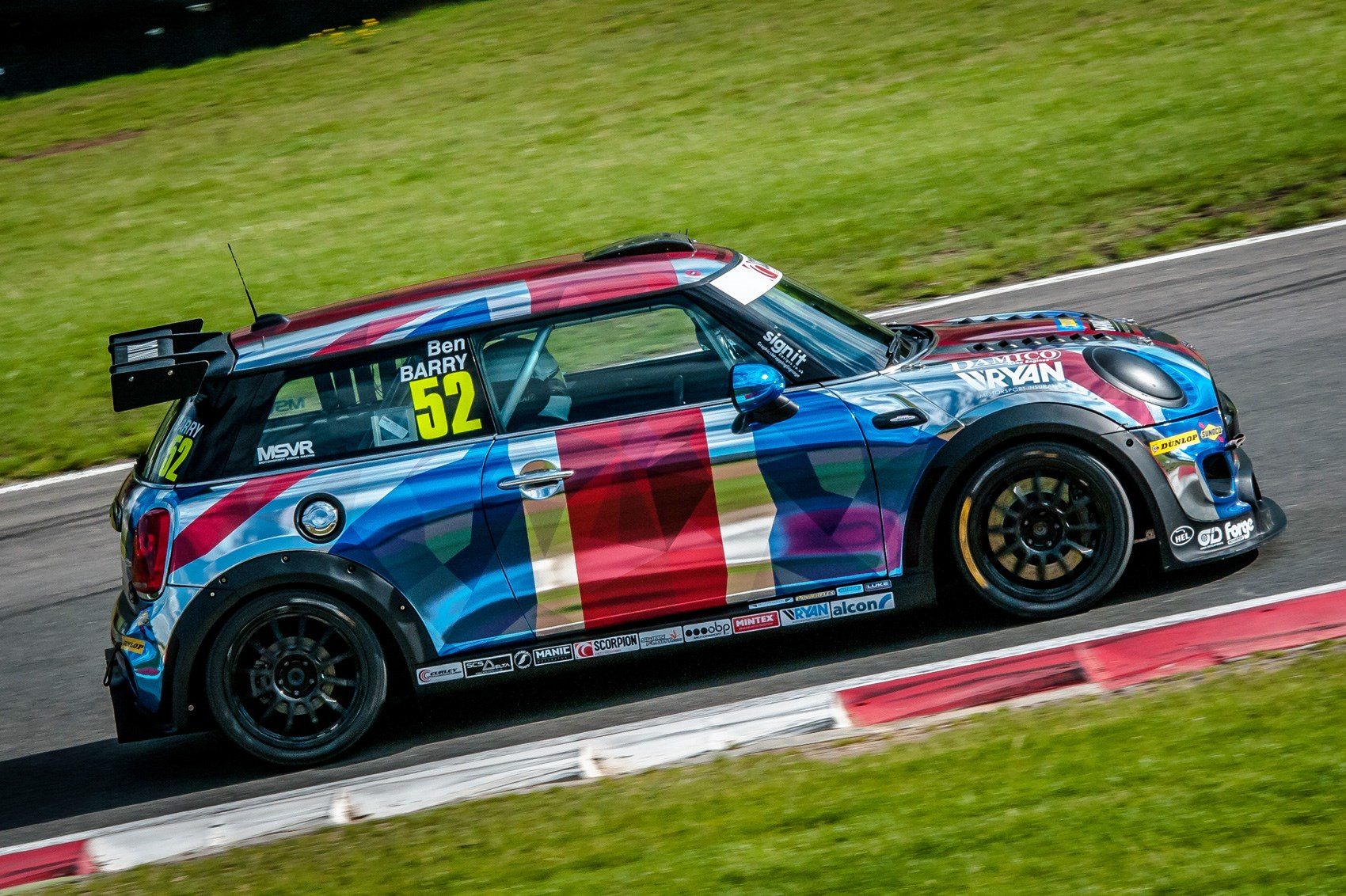 Minis On Maximum Attack How It Feels To Race In The Mini Jcw