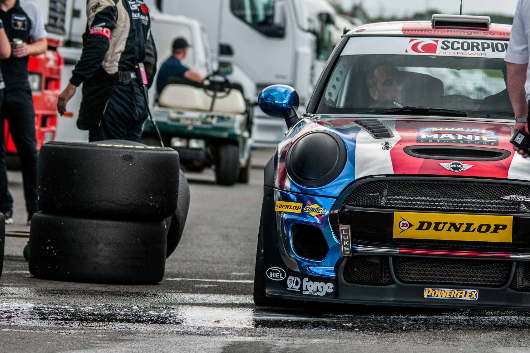 Minis on maximum – how it feels to race in the Mini JCW