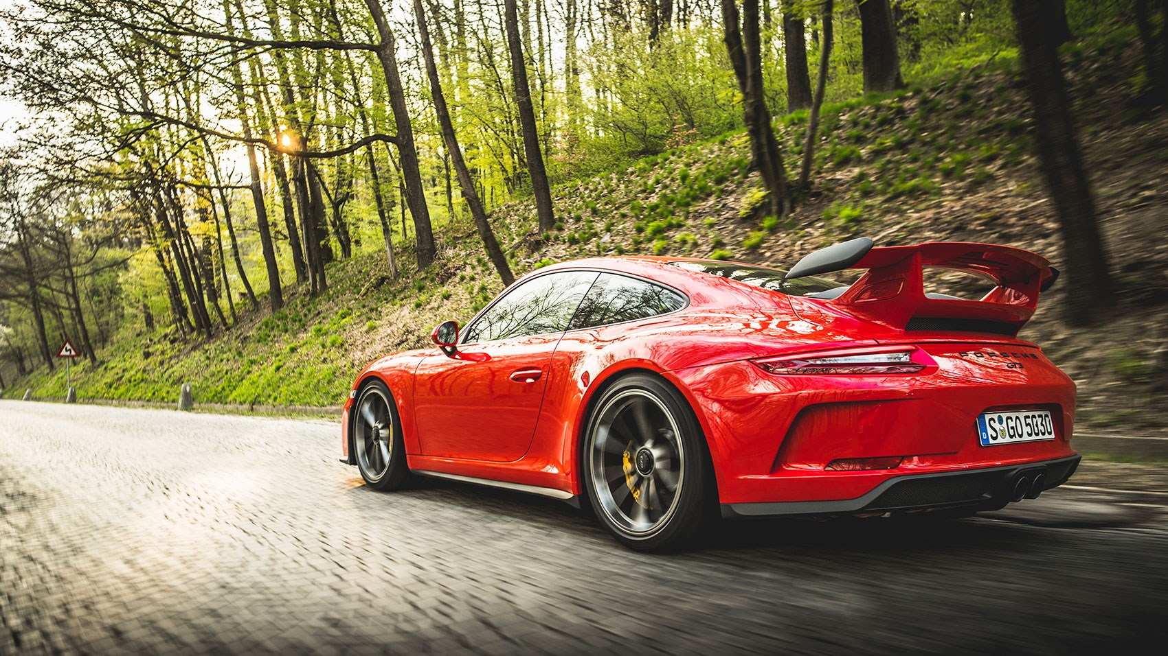 ... manual gearbox No mistaking this Porsche 911 for anything other than a  GT3 ...
