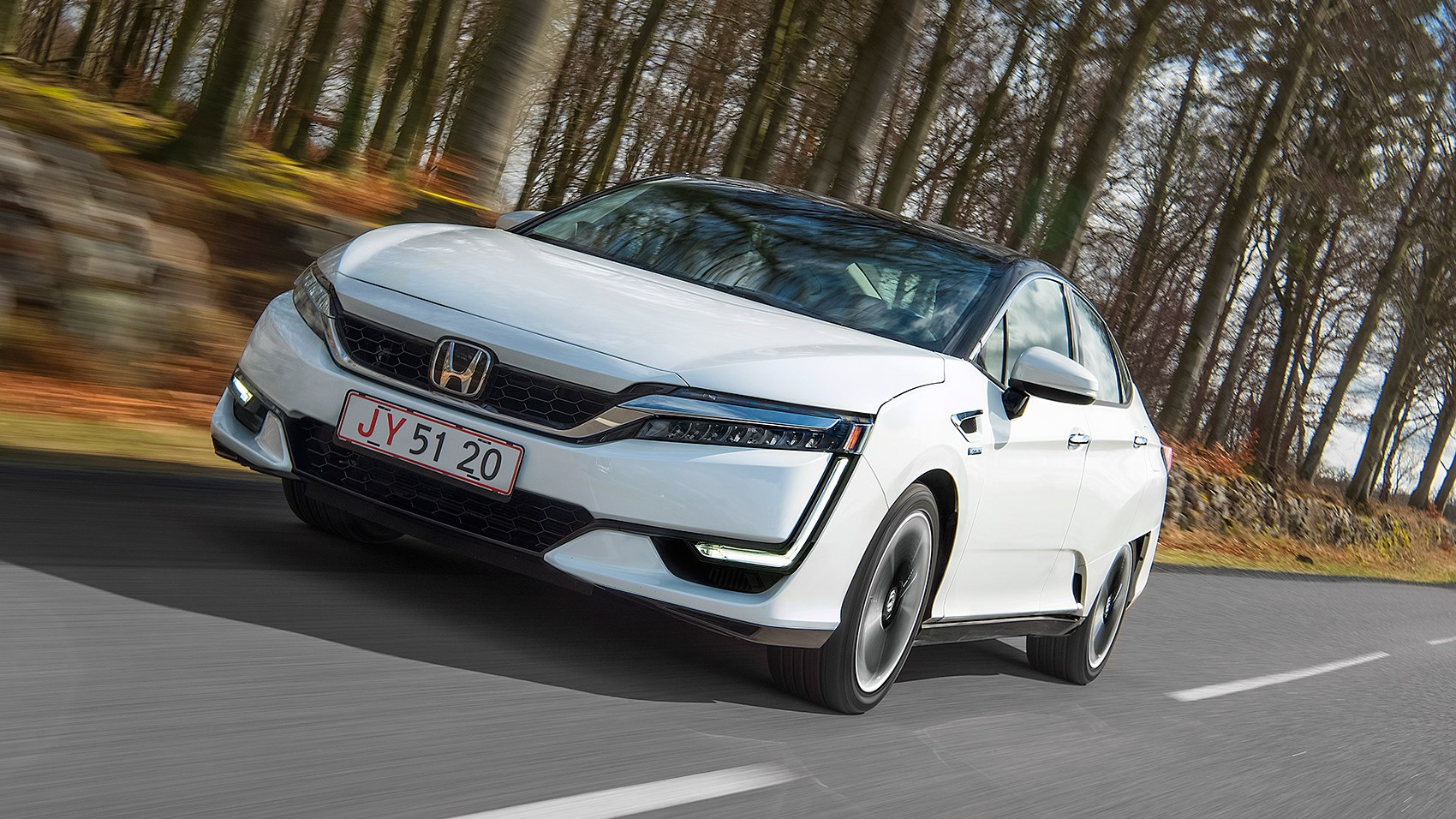 honda clarity fuel cell 2017 review by car magazine. Black Bedroom Furniture Sets. Home Design Ideas