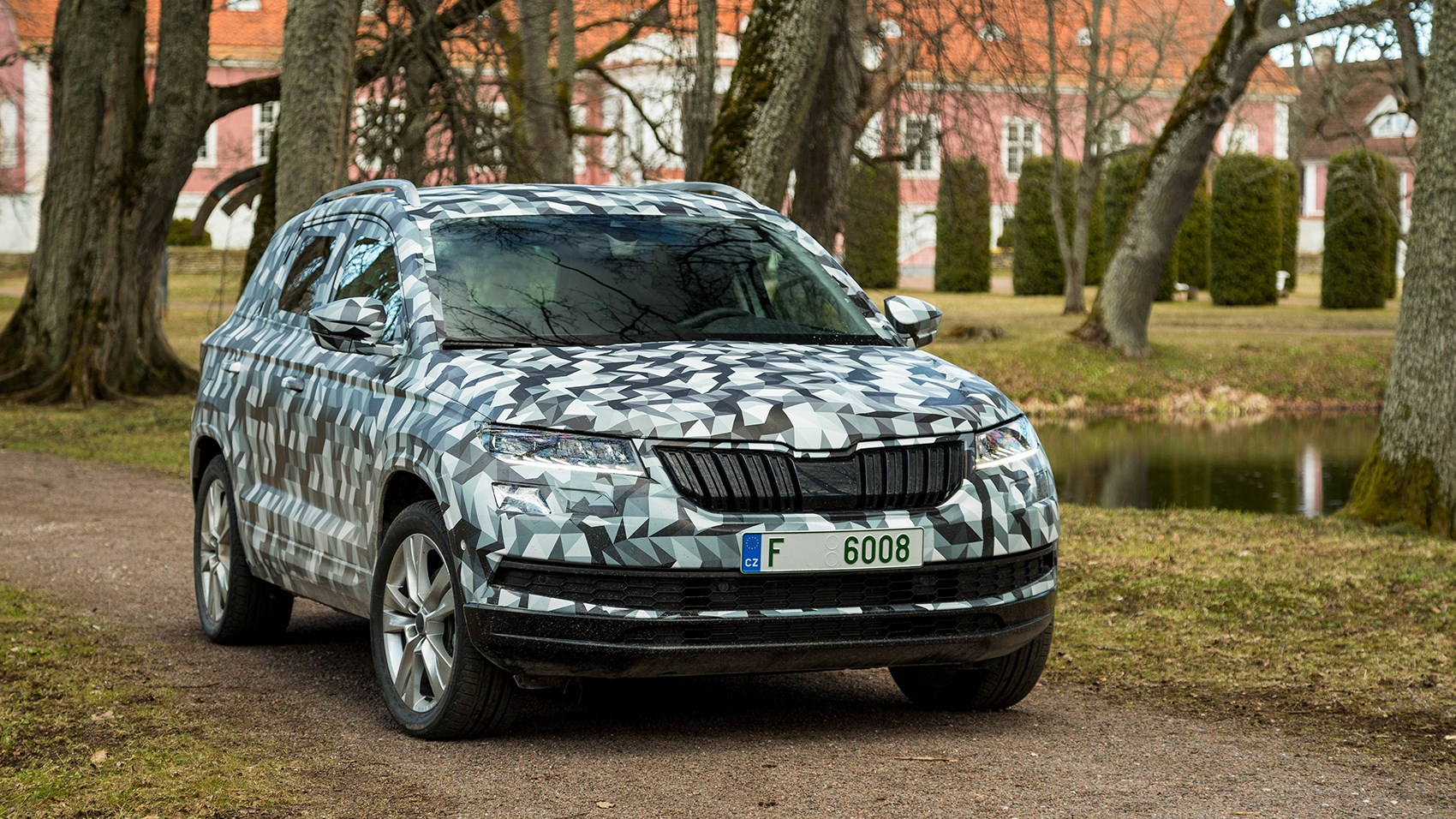 skoda karoq 2017 pre production car review by car magazine. Black Bedroom Furniture Sets. Home Design Ideas