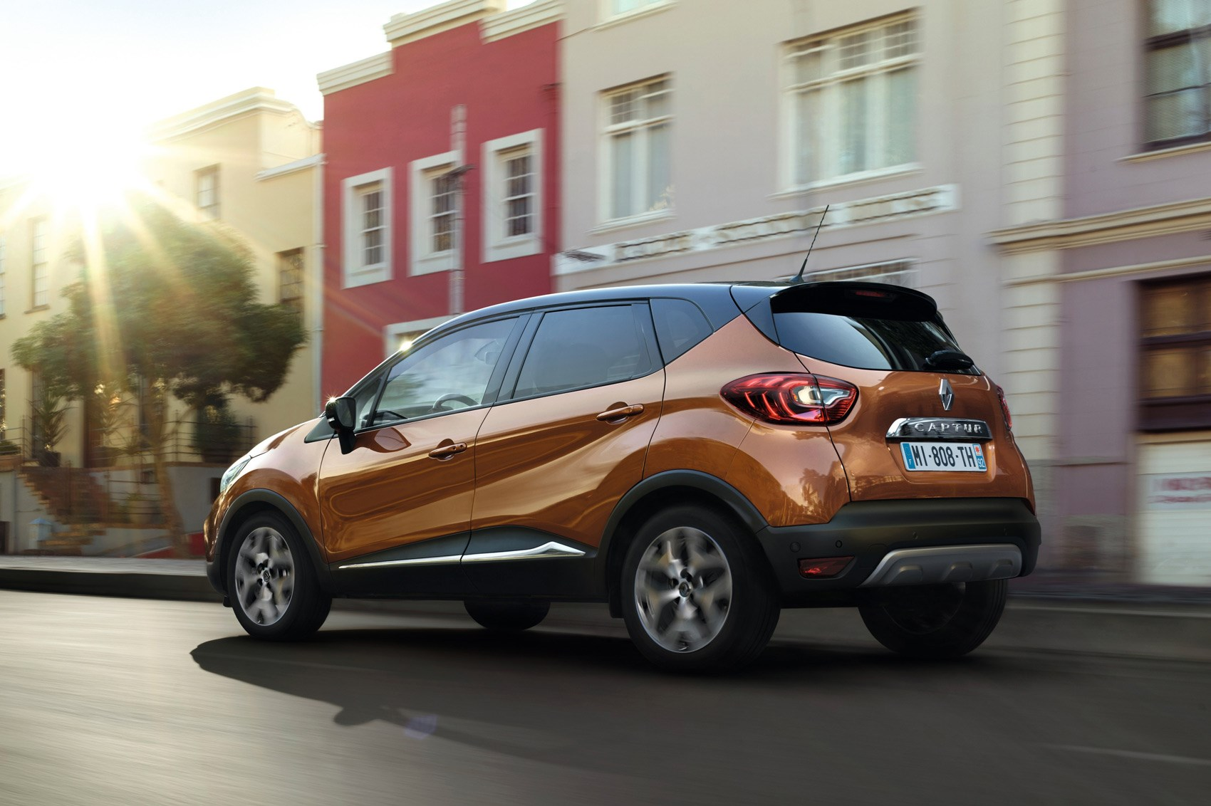 new renault captur nip and tuck time for french crossover car magazine. Black Bedroom Furniture Sets. Home Design Ideas