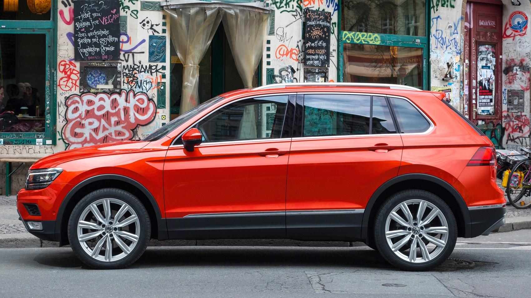 VW Tiguan 2.0 BiTDi SEL (2017) review by CAR Magazine