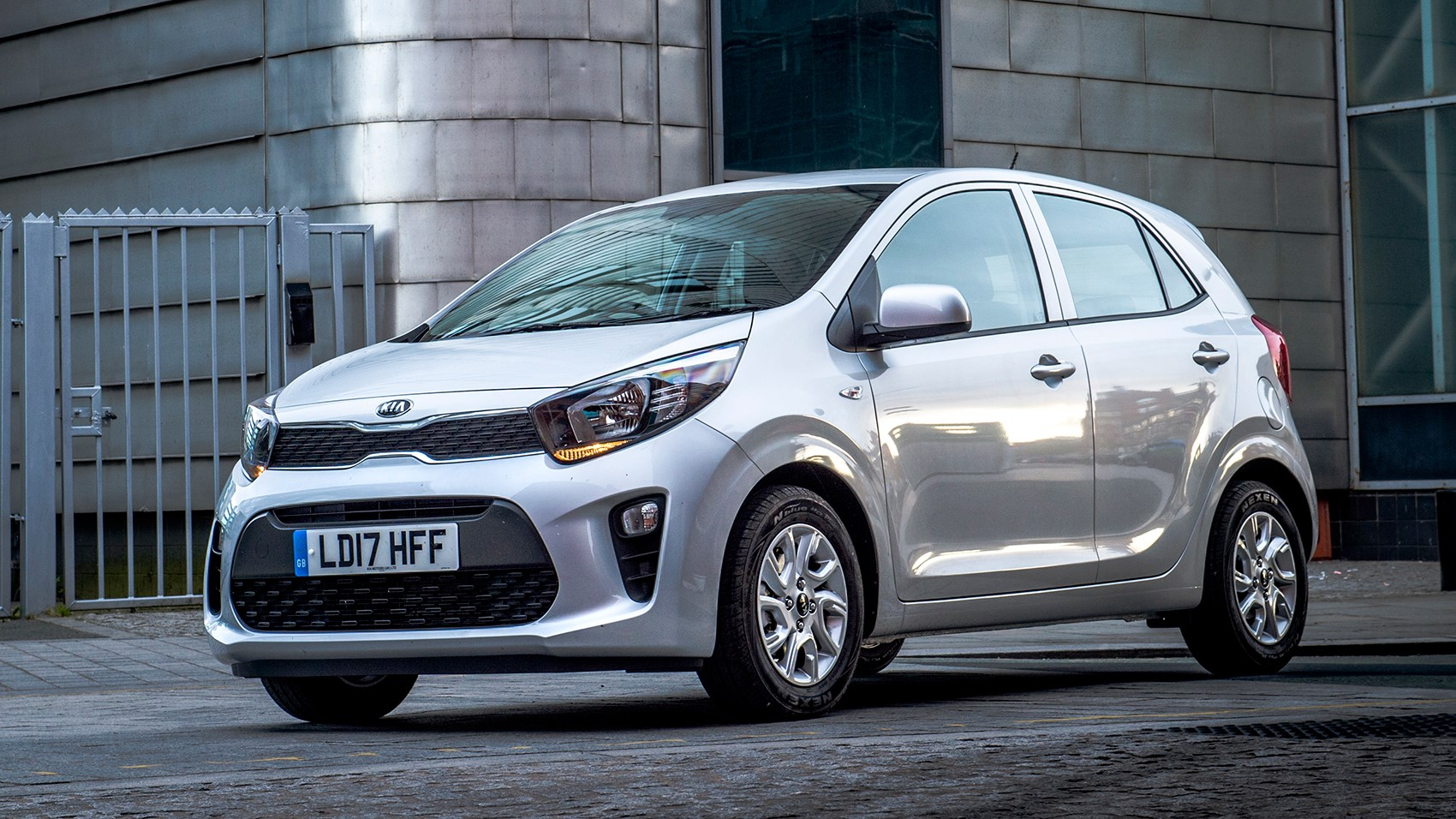 kia picanto 1 0 2 2017 review by car magazine. Black Bedroom Furniture Sets. Home Design Ideas