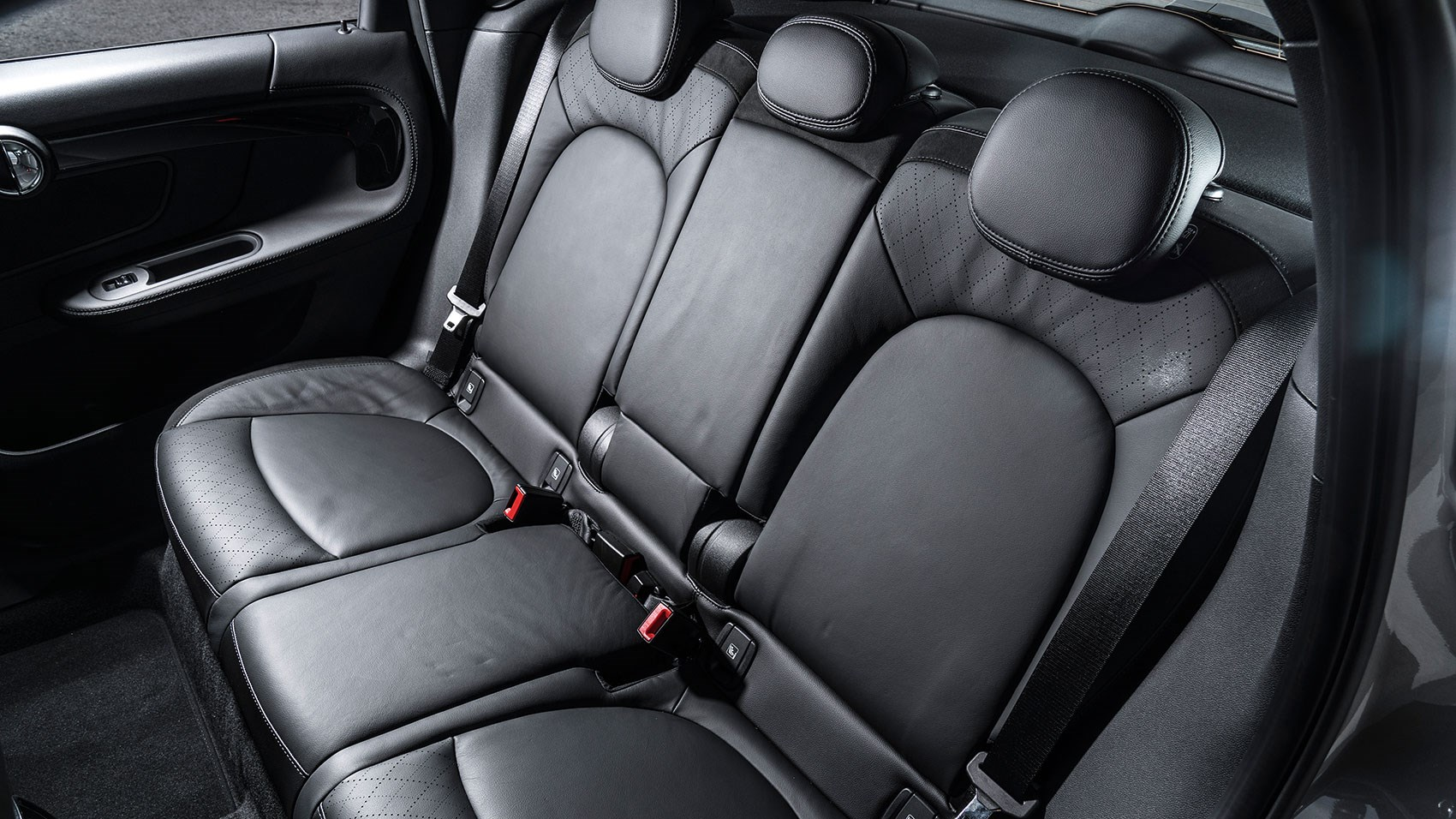 mini countryman cooper s e all4 2017 plug in hybrid review by car magazine. Black Bedroom Furniture Sets. Home Design Ideas