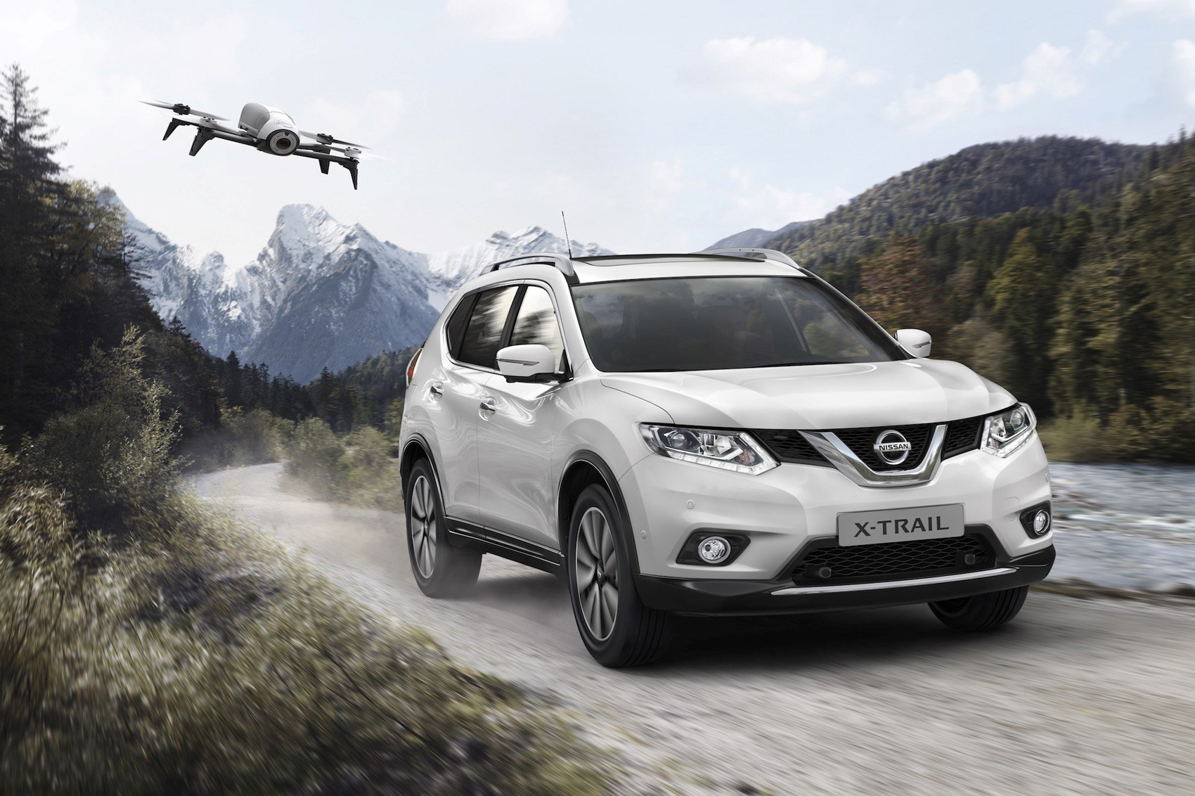 nissan x trail x scape has drone to film your active. Black Bedroom Furniture Sets. Home Design Ideas