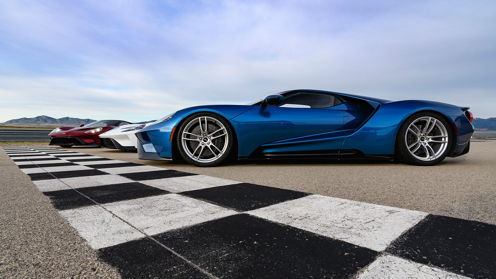 Ford Gt Supercars On Track