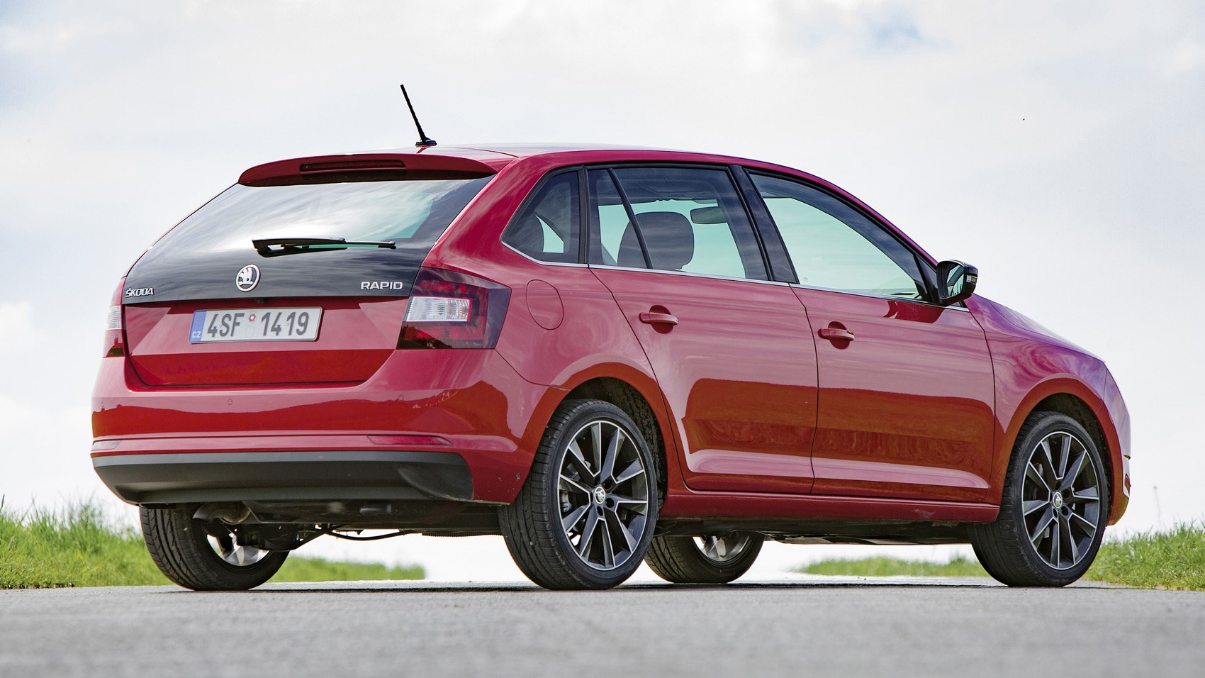 Skoda Rapid Spaceback rear quarter