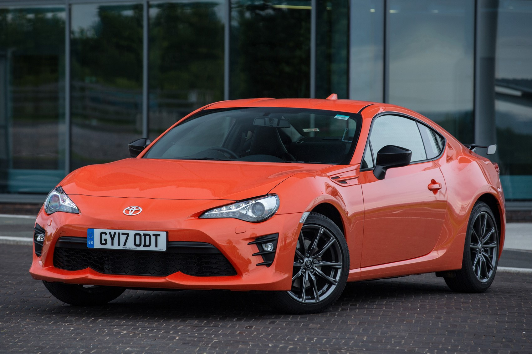 eye searing toyota gt86 orange edition kick starts new. Black Bedroom Furniture Sets. Home Design Ideas
