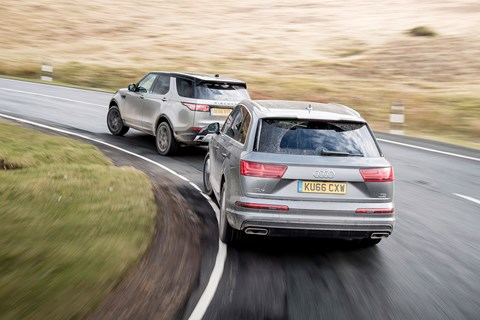 Audi Q7 chases Land Rover Discovery