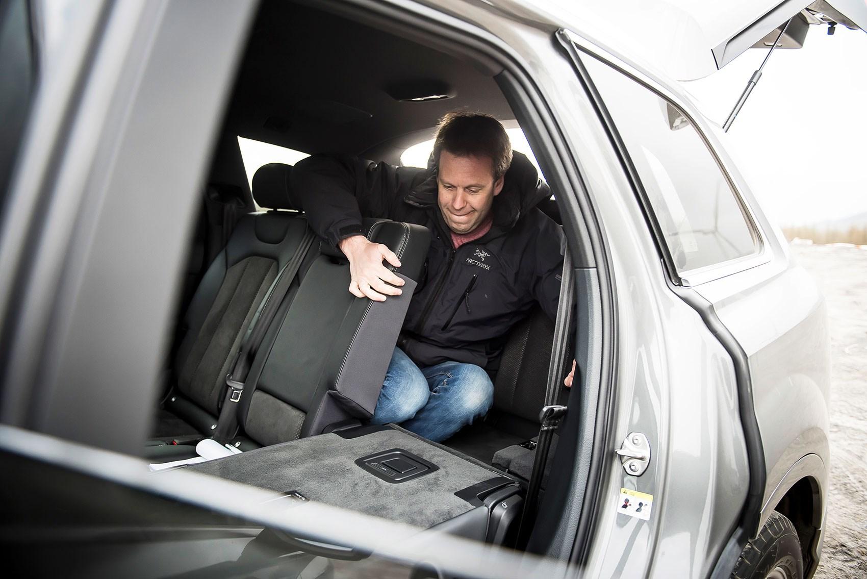 Volvo Xc90 Vs Audi Q7 >> Land Rover Discovery vs Audi Q7 vs BMW X5 vs Volvo XC90 ...