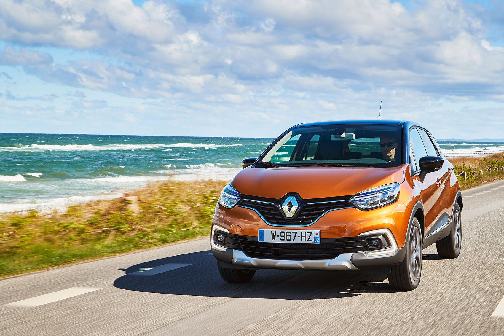 renault captur signature s nav tce 120 2017 review by car magazine. Black Bedroom Furniture Sets. Home Design Ideas
