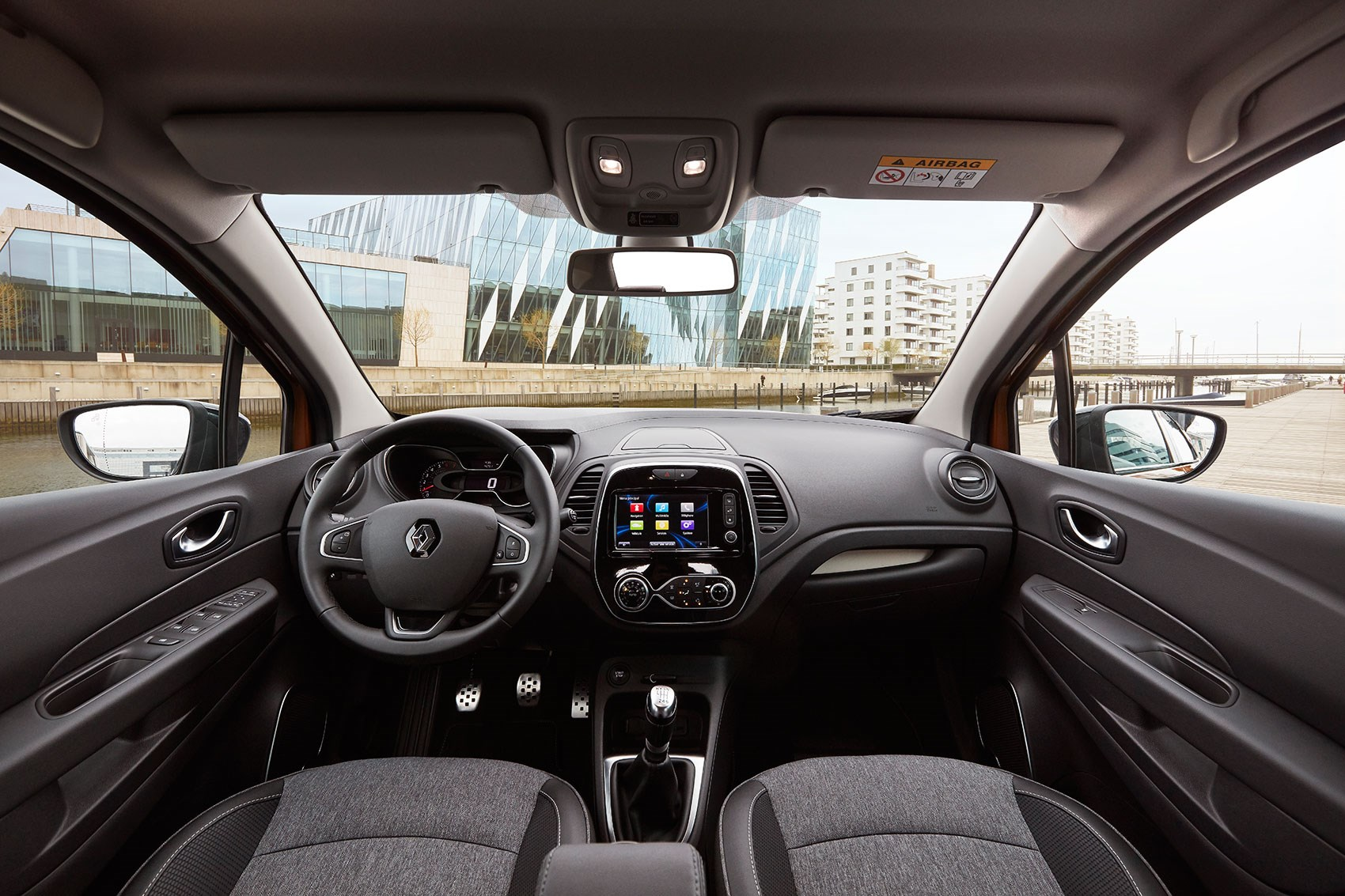 Inside 2017 facelifted Renault Captur cabin