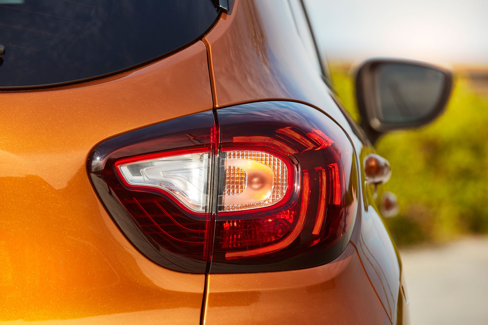 Rear end of facelifted Renault Captur car